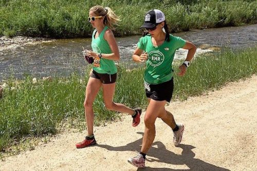 getting-to-the-finish-silke-running-with-ginna